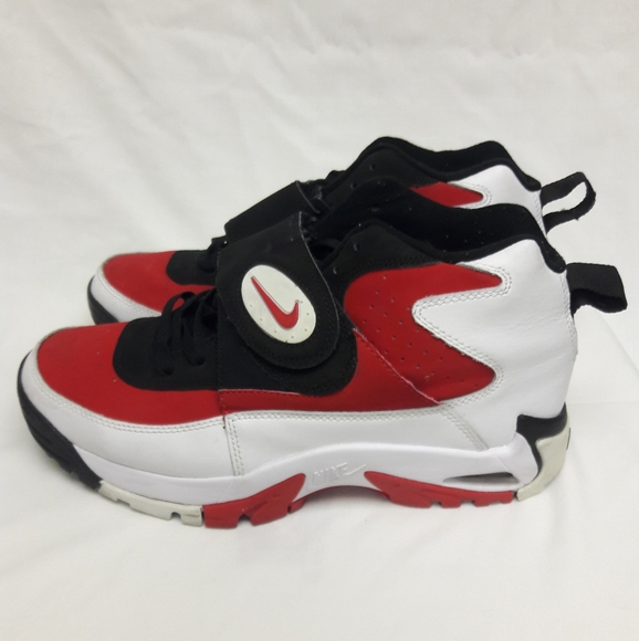 Nike Air Mission Junior Seau Shoes M9w5